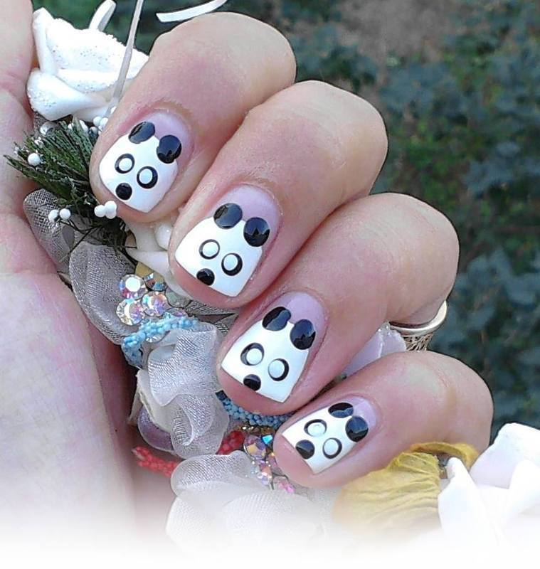 Funny Bear nail art by Flora