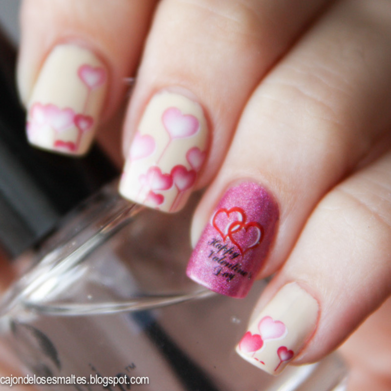 Happy valentine hearts - water decals nail art by Cajon de los esmaltes