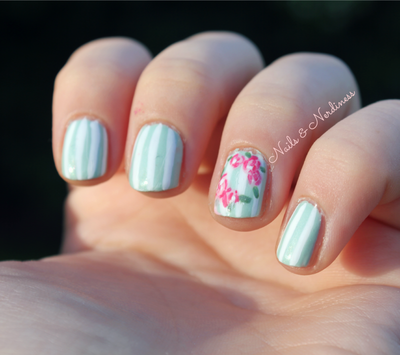 Vintage roses nail art by Cecilia