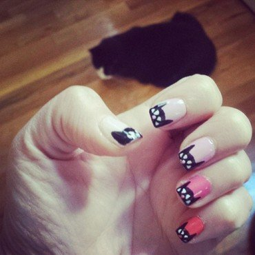 Ombre Kitties nail art by Marisa