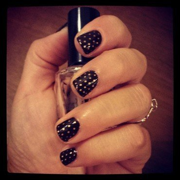 Gold dots nail art by Marisa