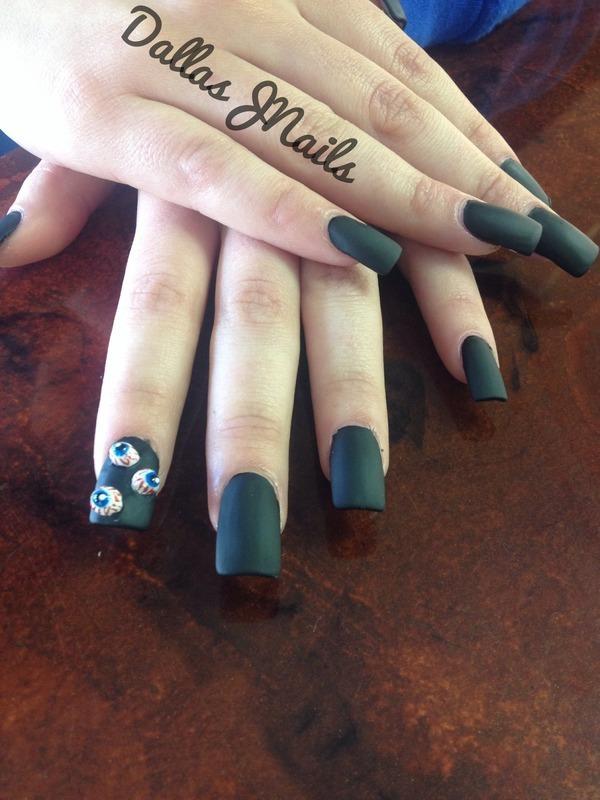 Black out  nail art by Dallas