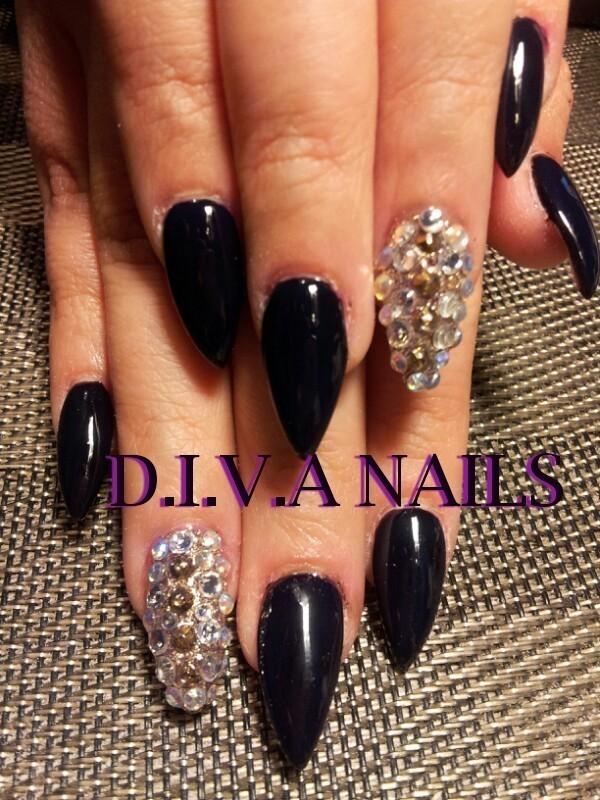 seduced by diamonds nail art by Adriana Avila