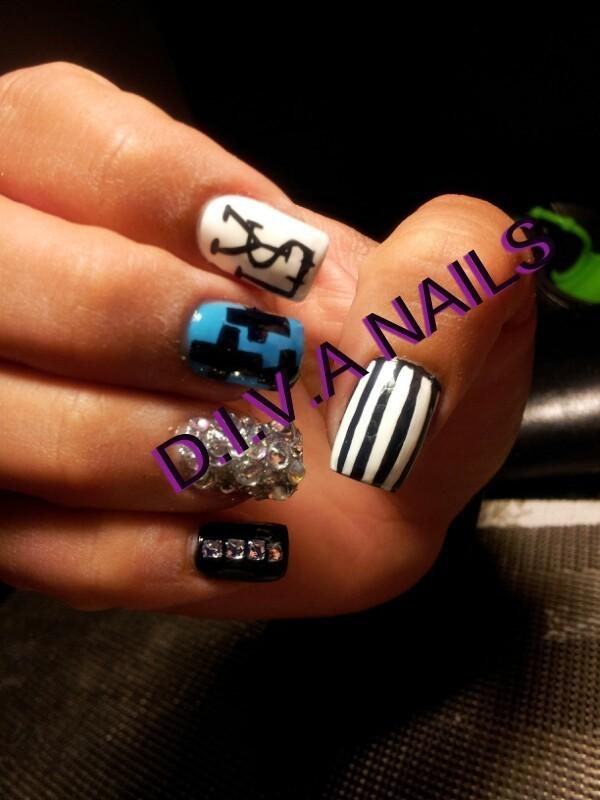 fashionista nail art by Adriana Avila