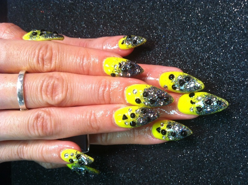 Black and Yellow nail art by Vicki