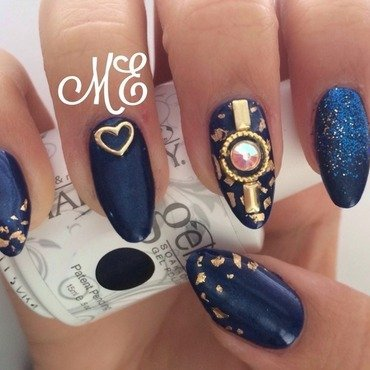 Royal Blue nail art by Miriam
