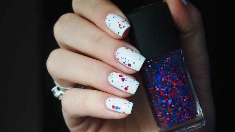 Dots nail art by Alicja