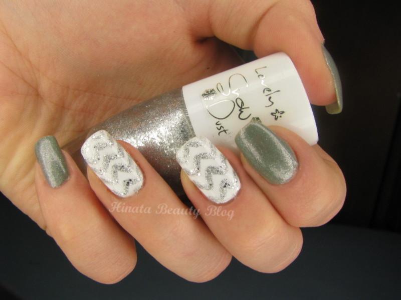 Grey with shimmer & silver zig-zag nail art by Hinata