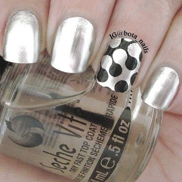 Super silver nail art by Meilina