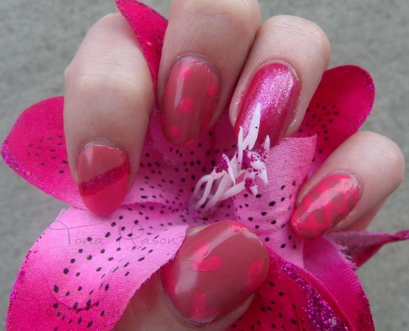 Valentine Skittlette nail art by Toria Mason