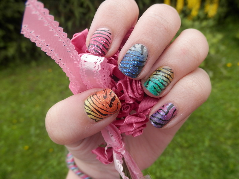 Seepra nails nail art by Enni