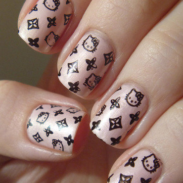 Manicura hello kitty louis vuitton thumb370f