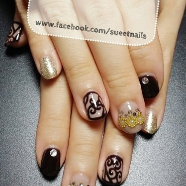 Baroque Swirls nail art by Sueet Nails