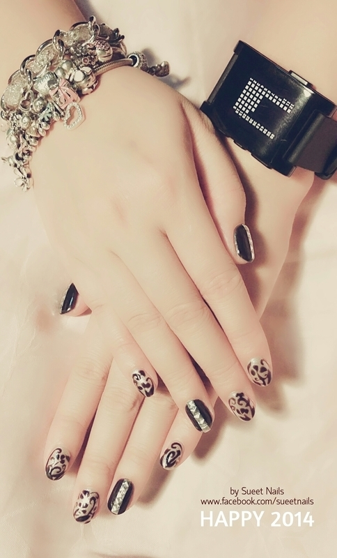 Accessories nail art by Sueet Nails