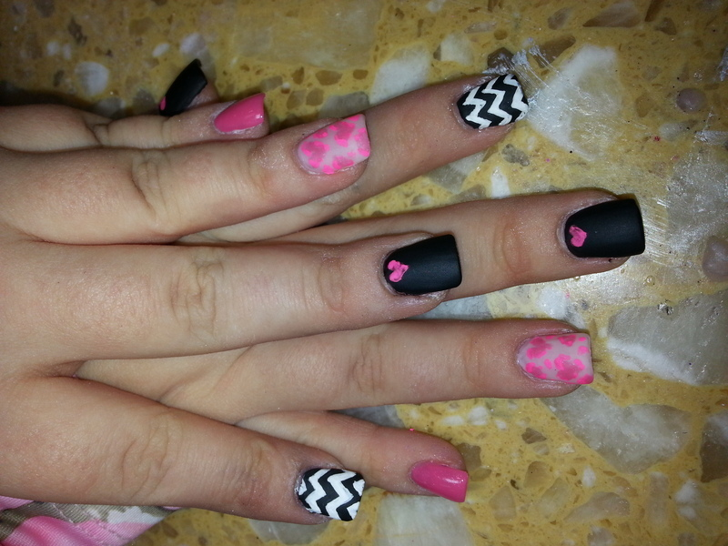 matte love nail art by Maria