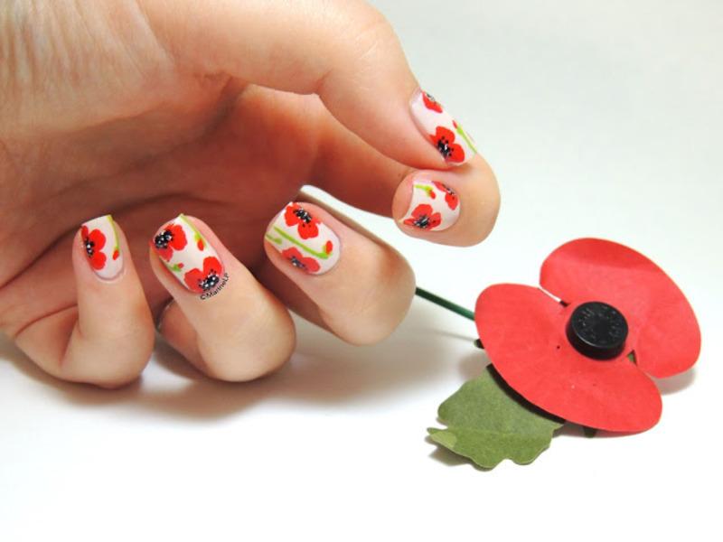 Poppy nails nail art by Marine Loves Polish