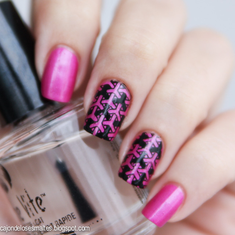 Stamping with PUEEN 15 nail art by Cajon de los esmaltes