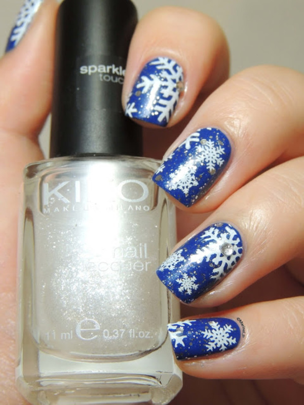 Snowflakes nails nail art by Marine Loves Polish