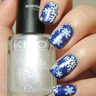 Snowflakes nails thumb370f