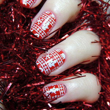 Christmas sweater nails thumb370f