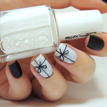 Gifts nails nail art by Marine Loves Polish