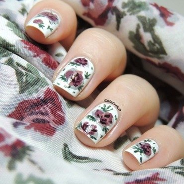 Pink and white floral nails  5  thumb370f