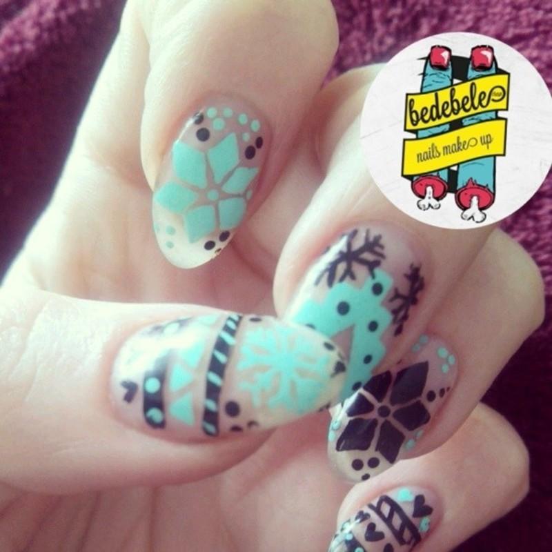 Christmas Nailsmakeup nail art by Be de Bele Crew