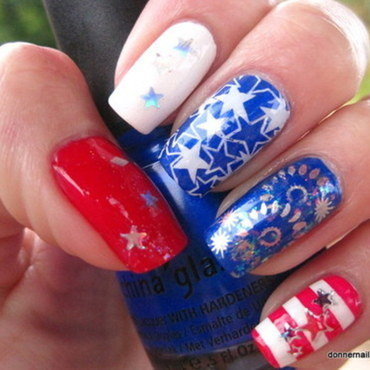 Fourth of July nail art by Donner
