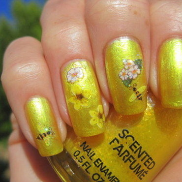 Sunshine nail art by Donner
