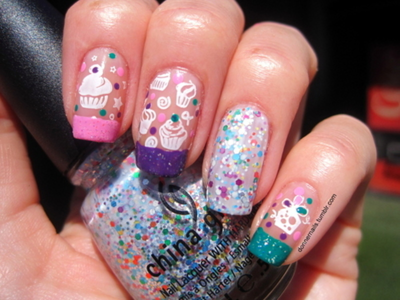 Cupcakes nail art by Donner