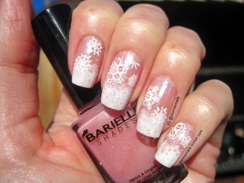 Snowfall nail art by Donner