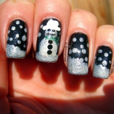 Christmas nail art by Donner