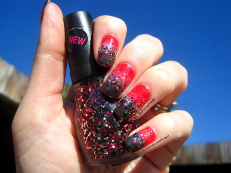 Gradient nail art by Donner