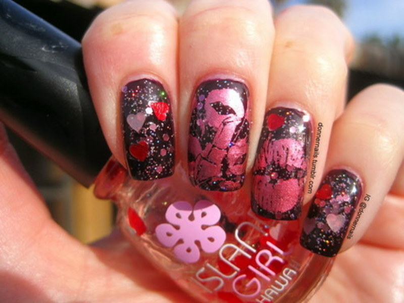 Love & Kisses nail art by Donner