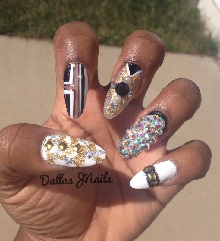 Partition  nail art by Dallas