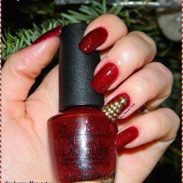 Red Christmas Nails nail art by Ela's Dreams