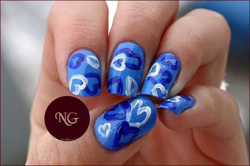 Blue Valentine nail art by NailGlaze