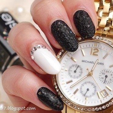Black Beauty nail art by Anhy