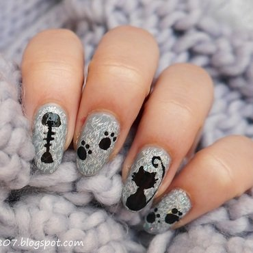 Furry Cat nail art by Anhy