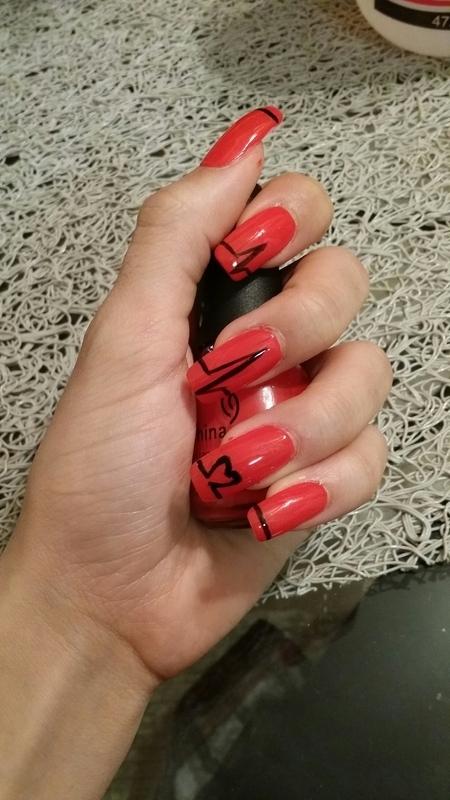 You Make My Heart Beat. nail art by Chloe Horton