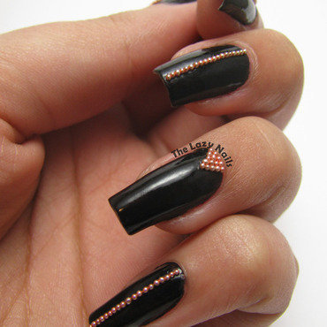 Geometric caviar beads nail art by Hadas Drukker