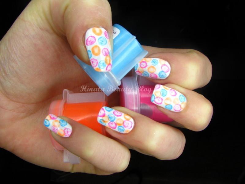 Neon Bubble Nails nail art by Hinata