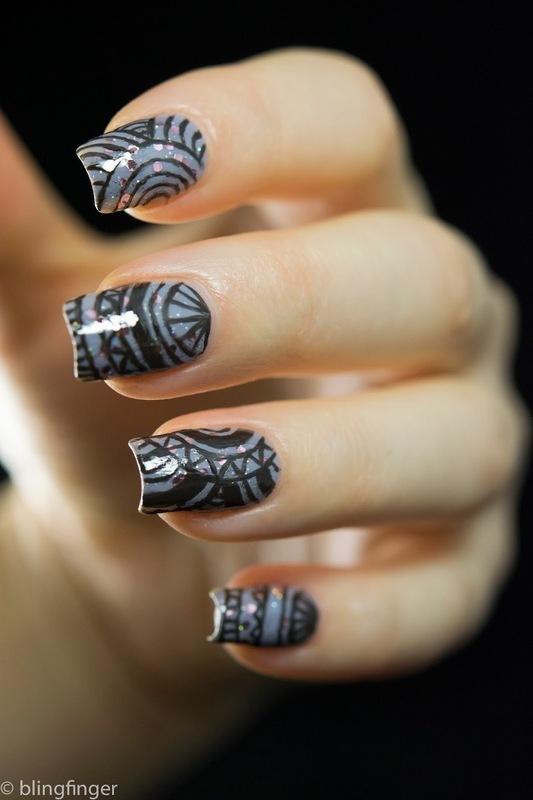 Circle Pattern nail art by  Petra  - Blingfinger