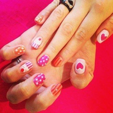 Cupcakes! nail art by Natalie