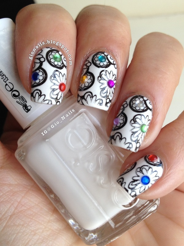 Bling Flowers nail art by Giovanna - GioNails