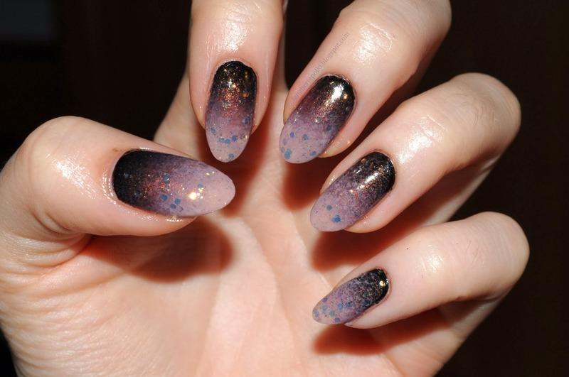 Sparcle gradient nail art by Carolina
