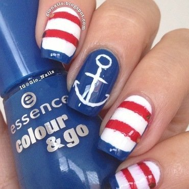 Navy nail art by Giovanna - GioNails