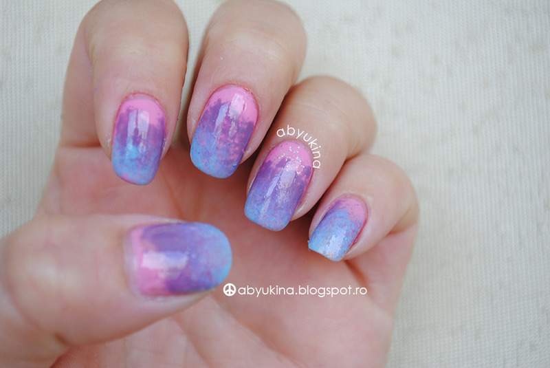 Wavy nail art by Aby