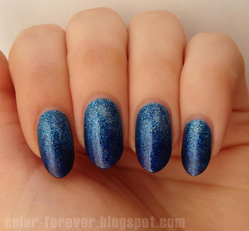 blue glitter gradient nail art by ania