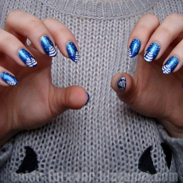 winter gradient & snowy trees nail art by ania